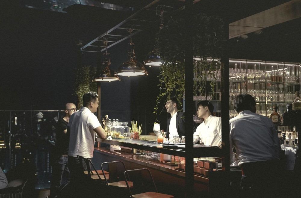ABC Hospitality - Hight Tech vs High Emotional